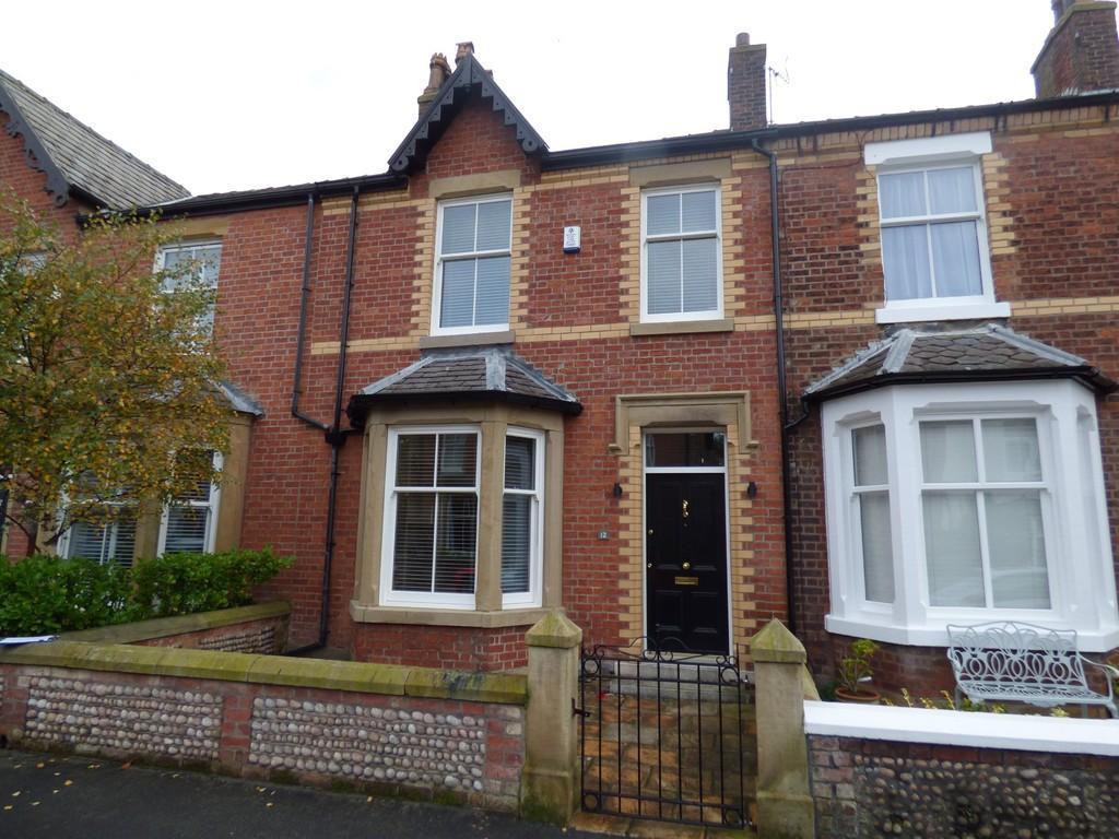 3 Bedrooms Terraced House for sale in 12 Ashton Street