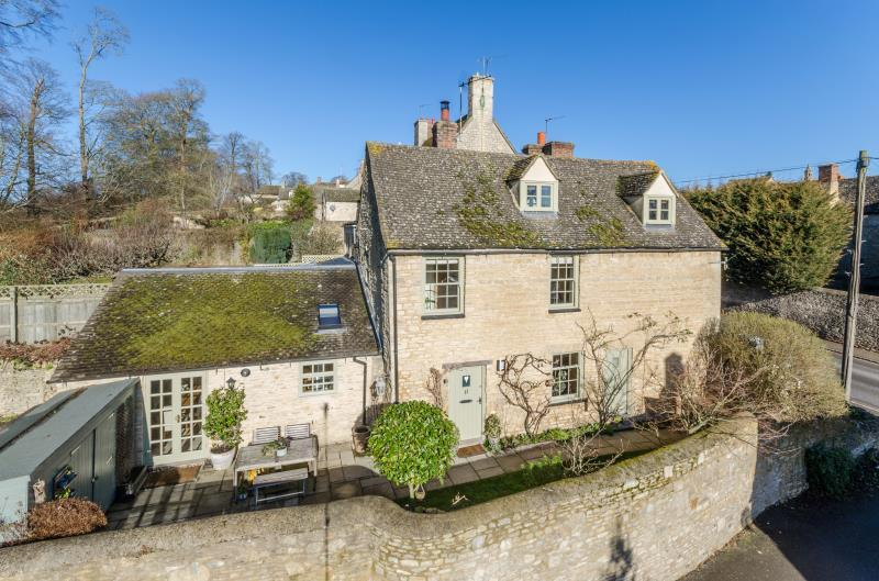 3 Bedrooms Semi Detached House for sale in Manor Road, Woodstock, Oxfordshire
