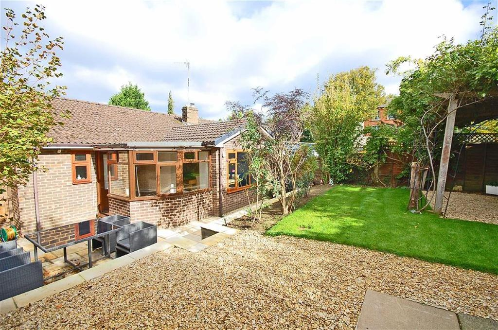 3 Bedrooms Semi Detached House for sale in Chelsea Close, Off Sandford Mill Road, Cheltenham, GL53