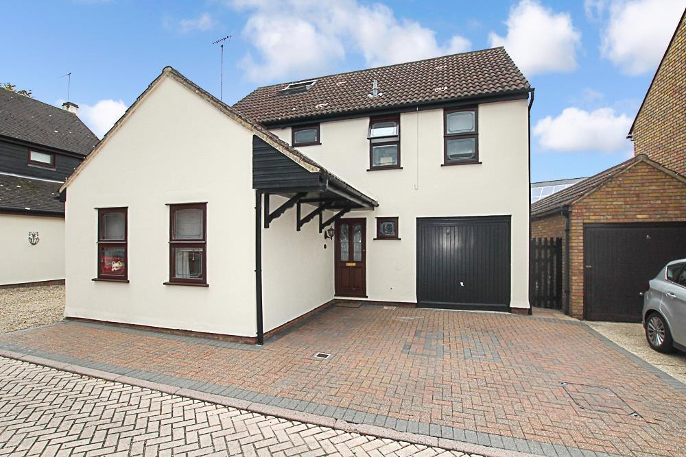 5 Bedrooms Detached House for sale in Brentwood Place, Brentwood