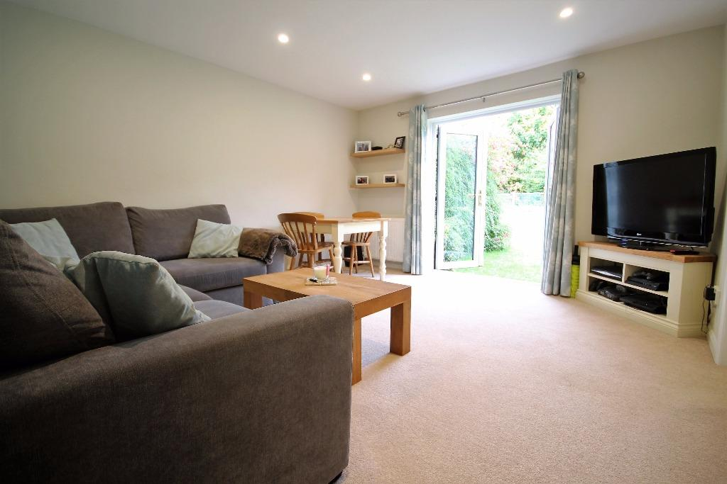 2 Bedrooms Ground Maisonette Flat for sale in Chiltlee Manor, Liphook