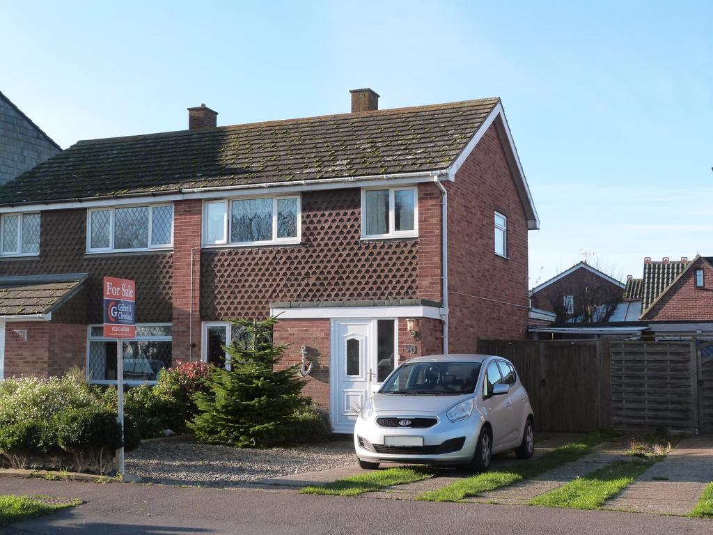 3 Bedrooms Semi Detached House for sale in Beach Road, Selsey