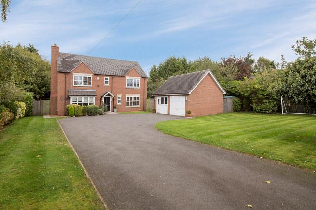 5 Bedrooms Detached House for sale in Birmingham Road,Lichfield,Staffordshire