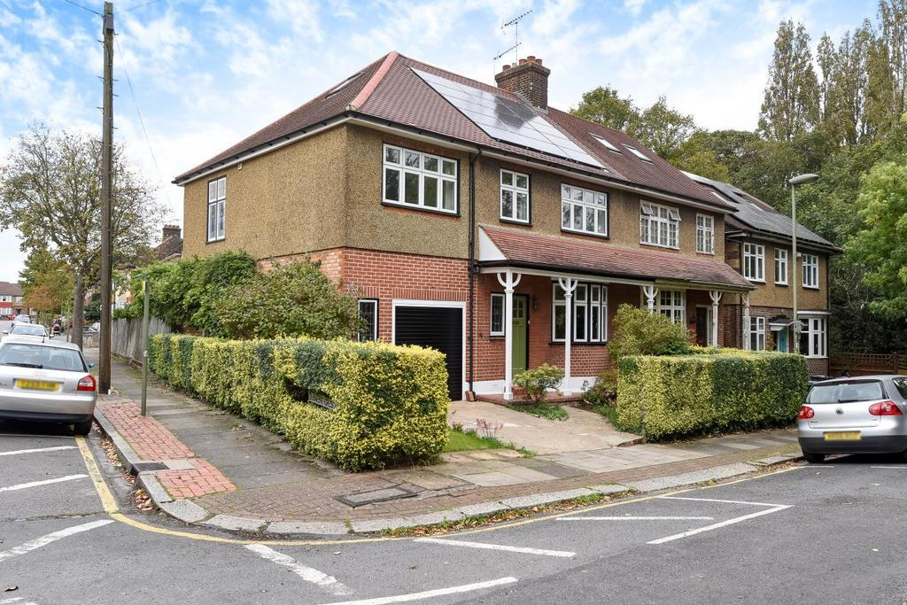 5 Bedrooms Semi Detached House for sale in Britannia Road, North Finchley