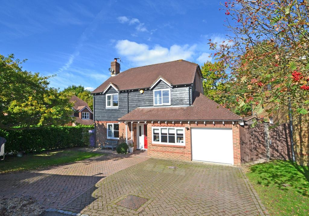 4 Bedrooms Detached House for sale in Ashington, West Sussex RH20