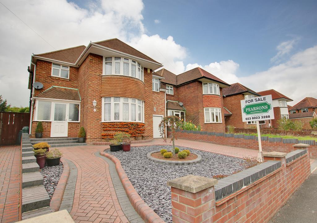 5 Bedrooms Detached House for sale in Upper Shirley, Southampton
