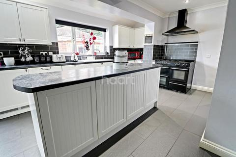 4 bedroom semi-detached house for sale - Mayfair Avenue, Lincoln