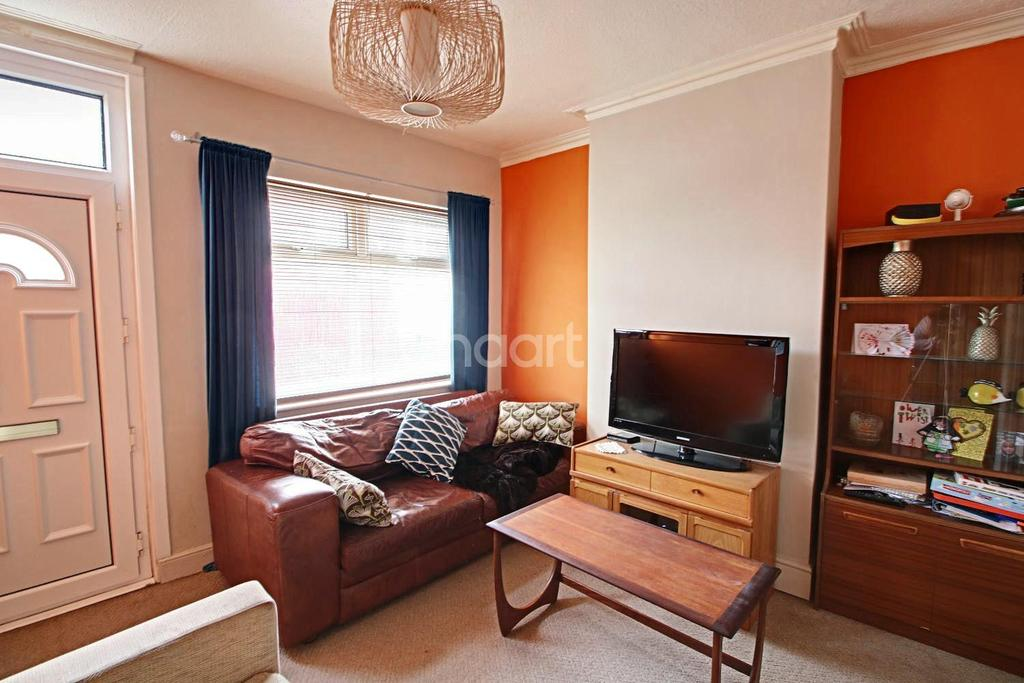 3 Bedrooms Terraced House for sale in Loscoe Road, Carrington