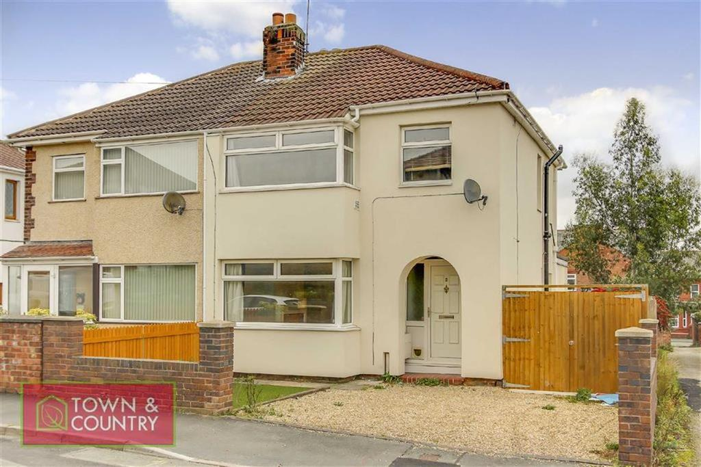 3 Bedrooms Semi Detached House for sale in Red Hall Avenue, Connah's Quay, Deeside, Flintshire