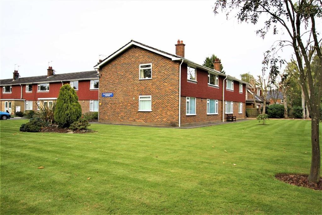 2 Bedrooms Flat for sale in Fairgreen, Cockfosters, Herts