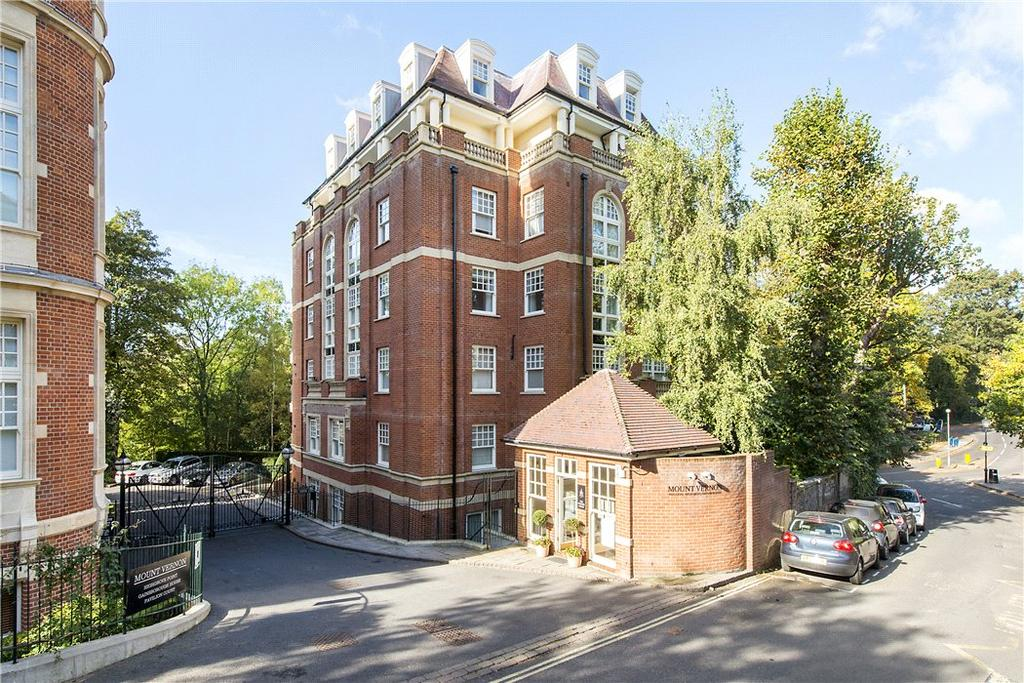 2 Bedrooms Flat for sale in Highgrove Point, Frognal Rise, London, NW3