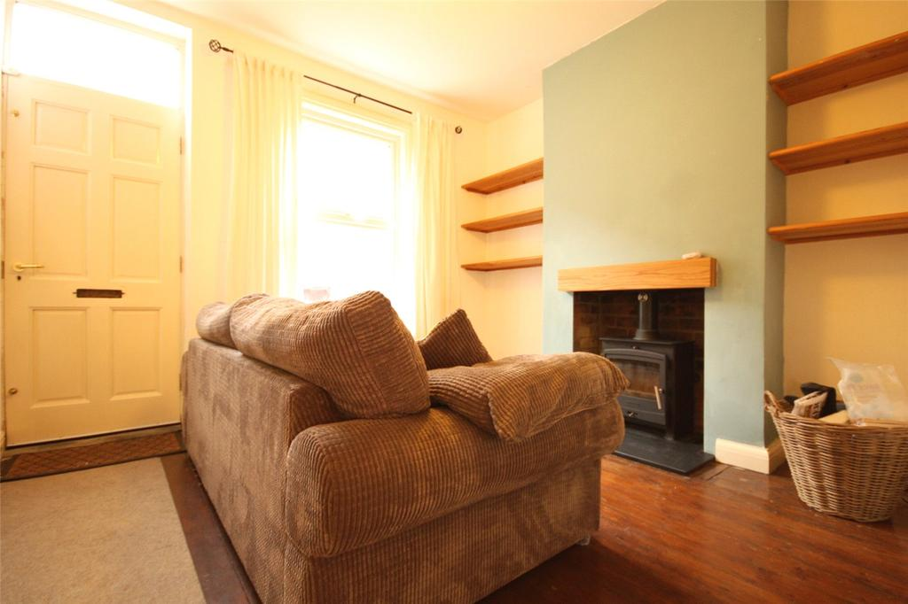 2 Bedrooms Terraced House for sale in Victor Terrace, Nottingham, Nottinghamshire, NG5