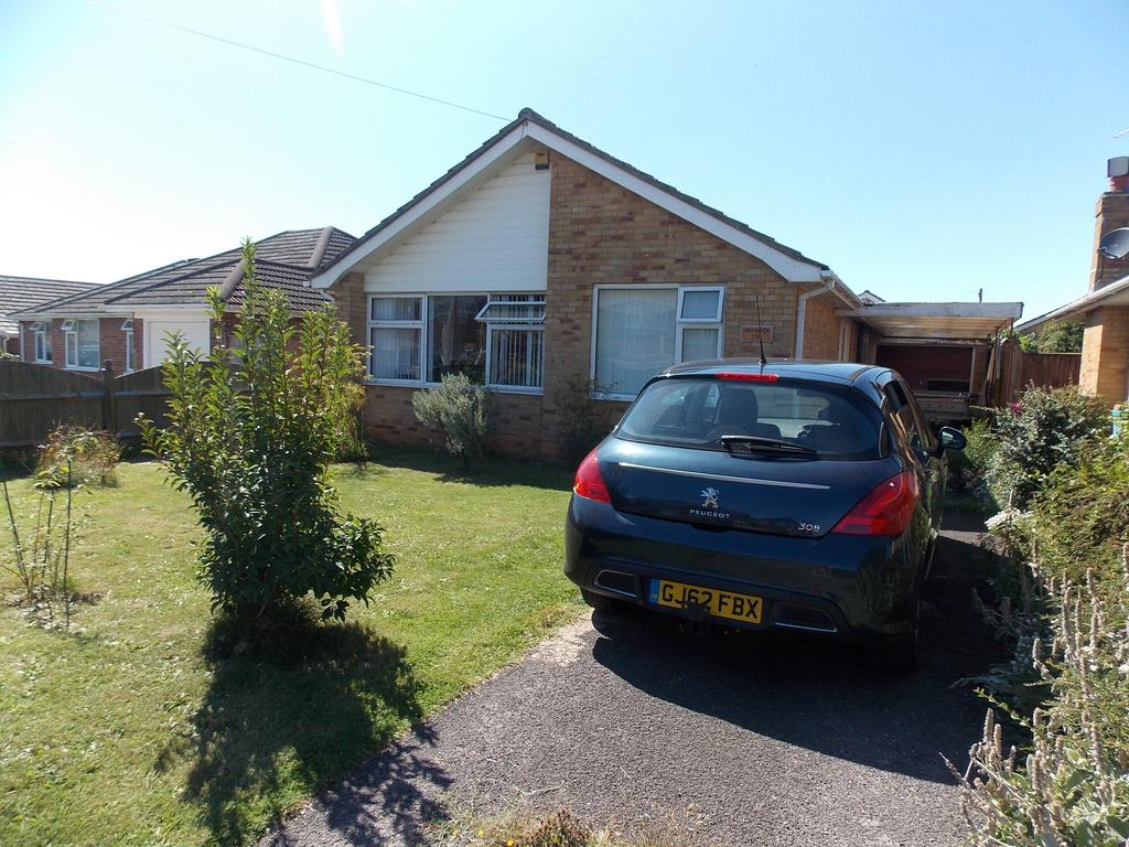 3 Bedrooms Detached Bungalow for sale in Malines Avenue, Peacehaven, East Sussex