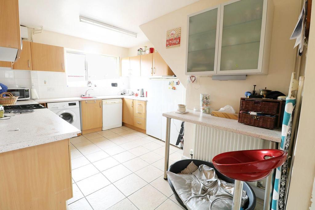 3 Bedrooms Terraced House for sale in Coleman Avenue, Balderton