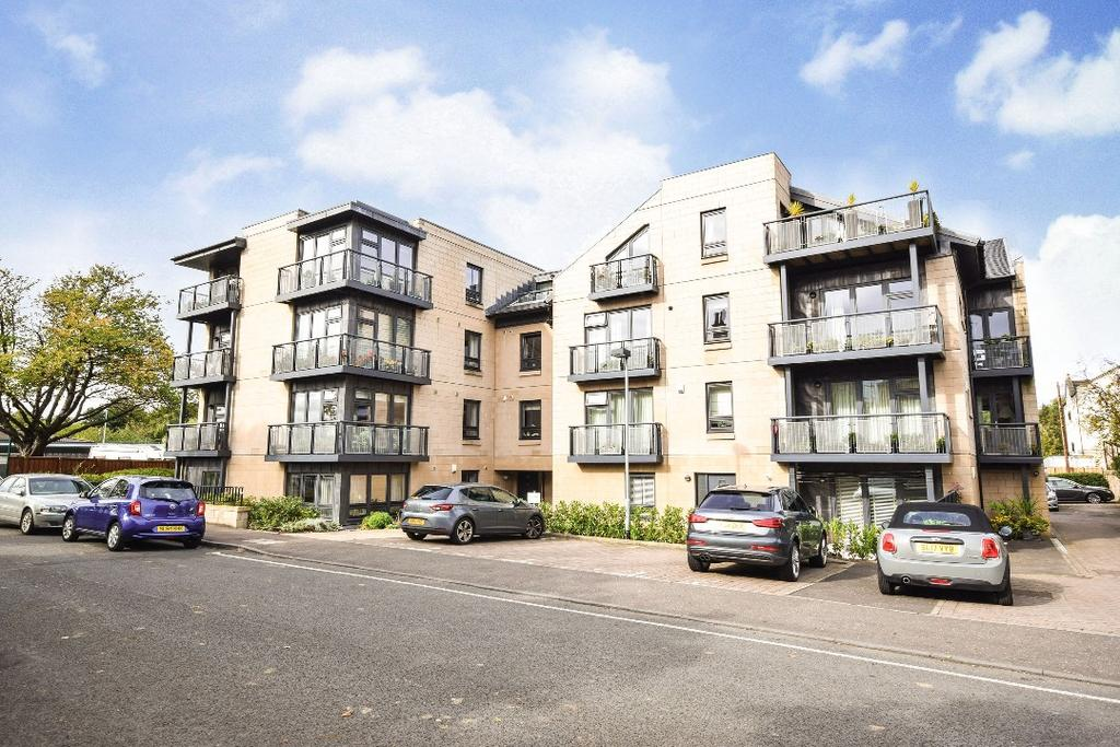 4 Bedrooms Apartment Flat for sale in Craighall Gardens, Flat 15, Trinity, Edinburgh, EH6 4RJ
