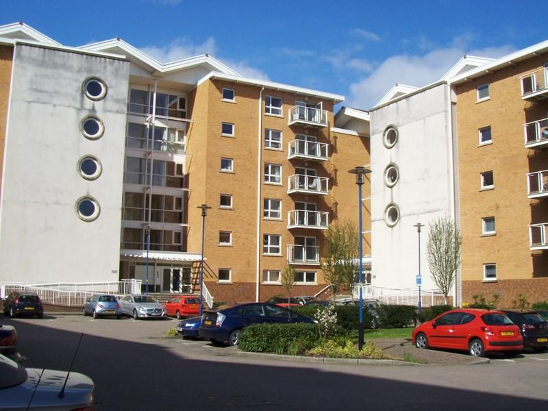 2 Bedrooms Apartment Flat for sale in Chandlery Way, Cardiff