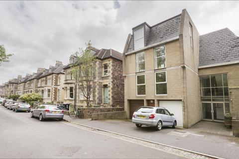 2 bedroom flat to rent - Steepholme, Randall Road, BS8