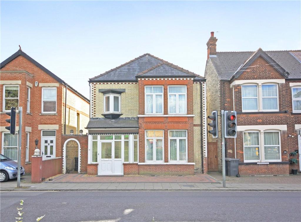 4 Bedrooms Detached House for sale in Cherry Hinton Road, Cambridge, CB1