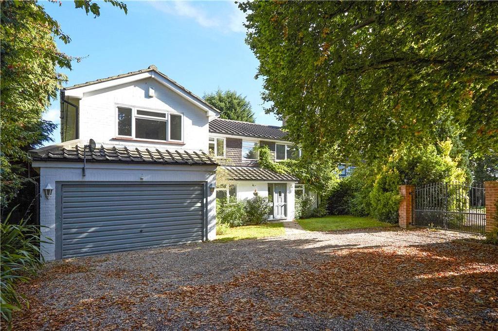 5 Bedrooms Detached House for sale in Fairmile Park Road, Cobham, Surrey, KT11