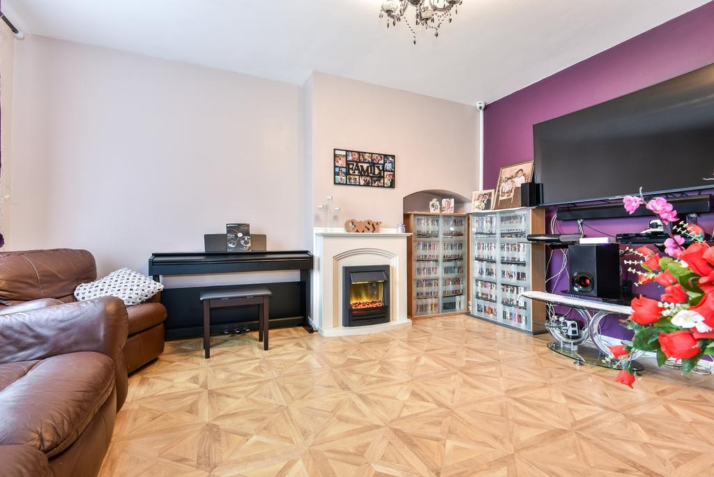 3 Bedrooms Semi Detached House for sale in Swallands Road Catford SE6