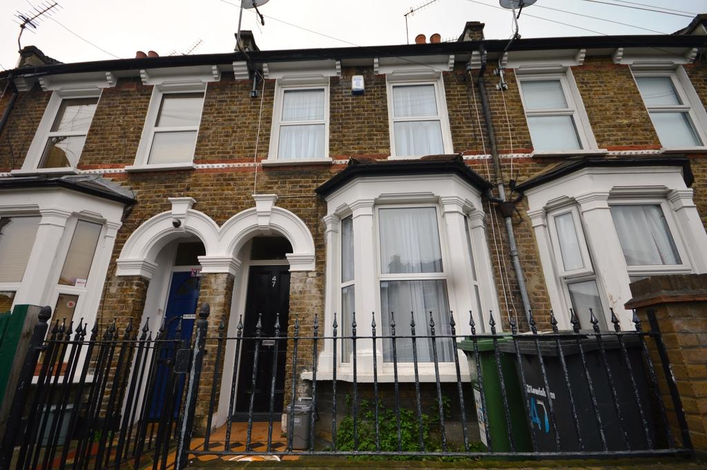 2 Bedrooms Terraced House for sale in Wildfell Road SE6