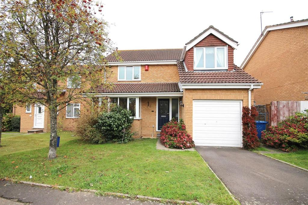 4 Bedrooms Detached House for sale in Godmanston Close, Canford Heath, Poole