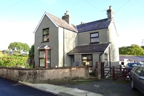 3 bedroom property with land for sale - GLASINFRYN LL57
