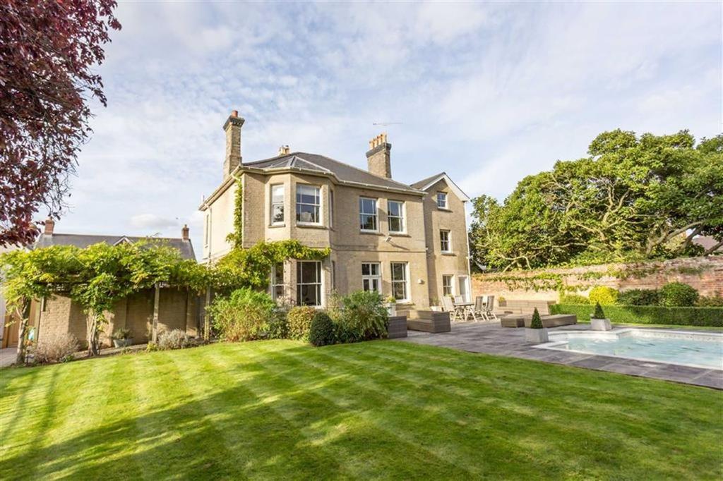 7 Bedrooms Detached House for sale in Julians Road, Wimborne, Dorset