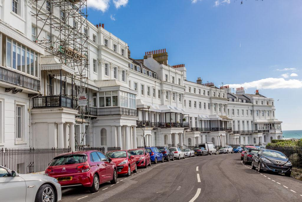 2 Bedrooms Flat for sale in Lewes Crescent, Brighton BN2