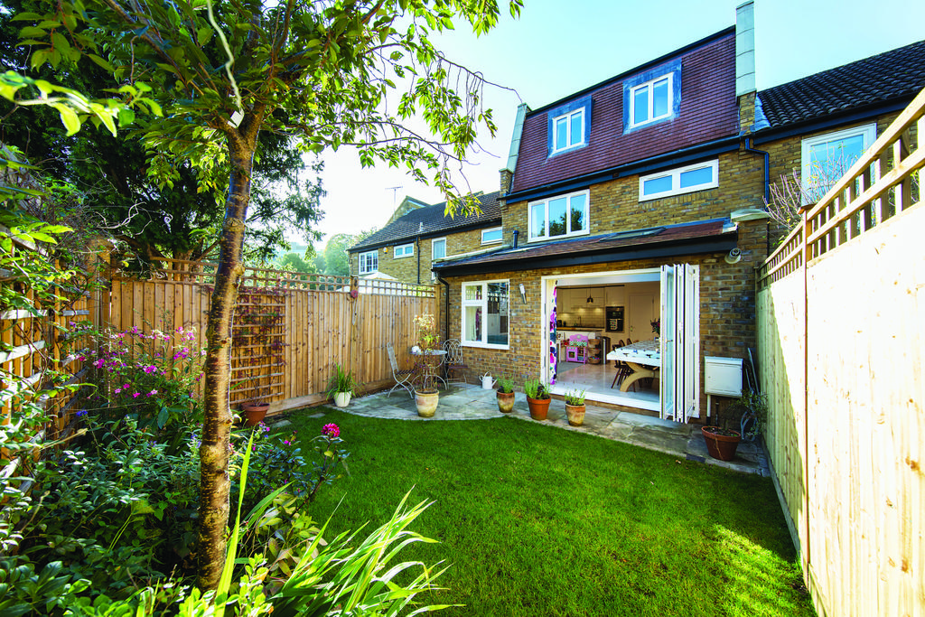 4 Bedrooms Terraced House for sale in Pilsdon Close, SW19