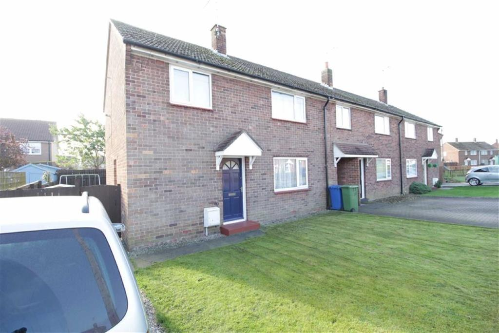 3 Bedrooms Semi Detached House for sale in Auchinleck Close, Driffield, East Yorkshire