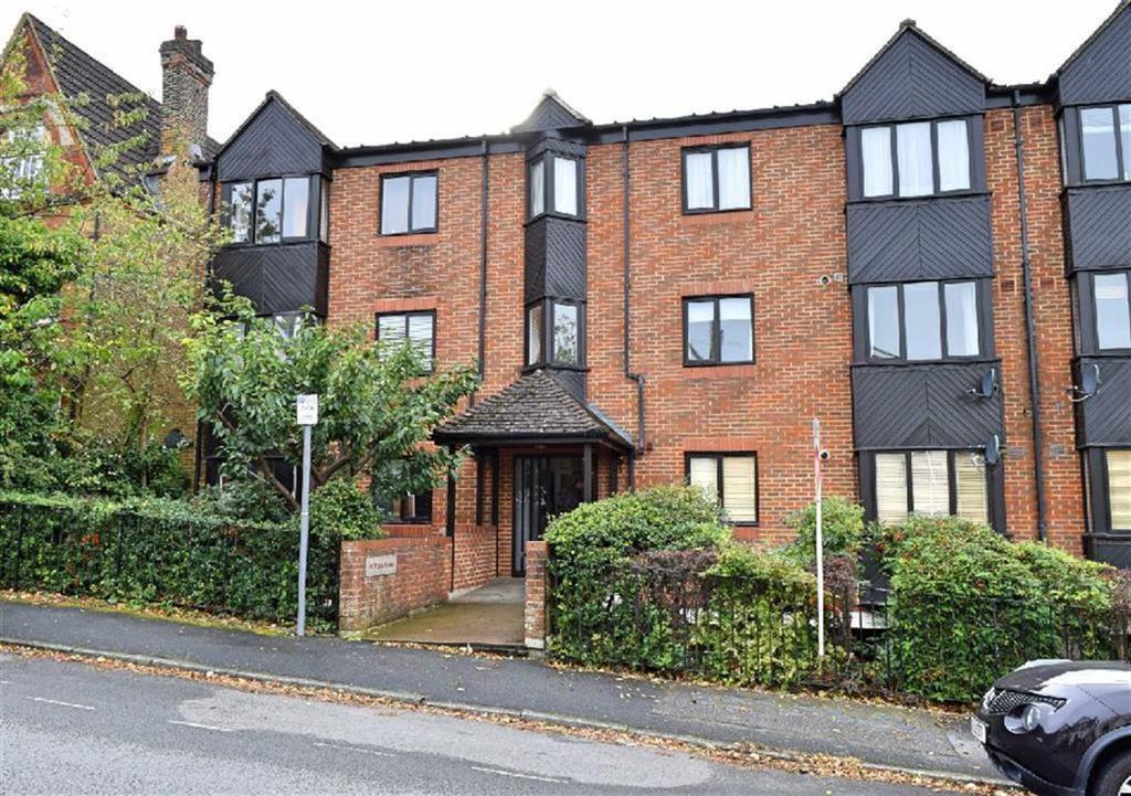 2 Bedrooms Flat for sale in De Winter House, Sevenoaks, TN13
