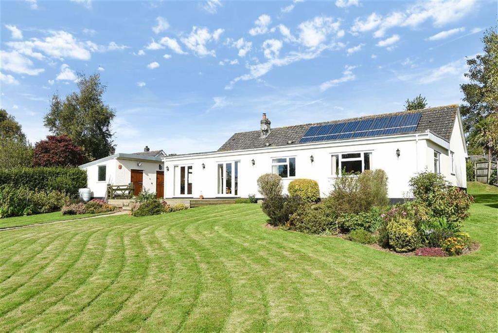 4 Bedrooms Bungalow for sale in Manor Close, Weston, Honiton, Devon, EX14