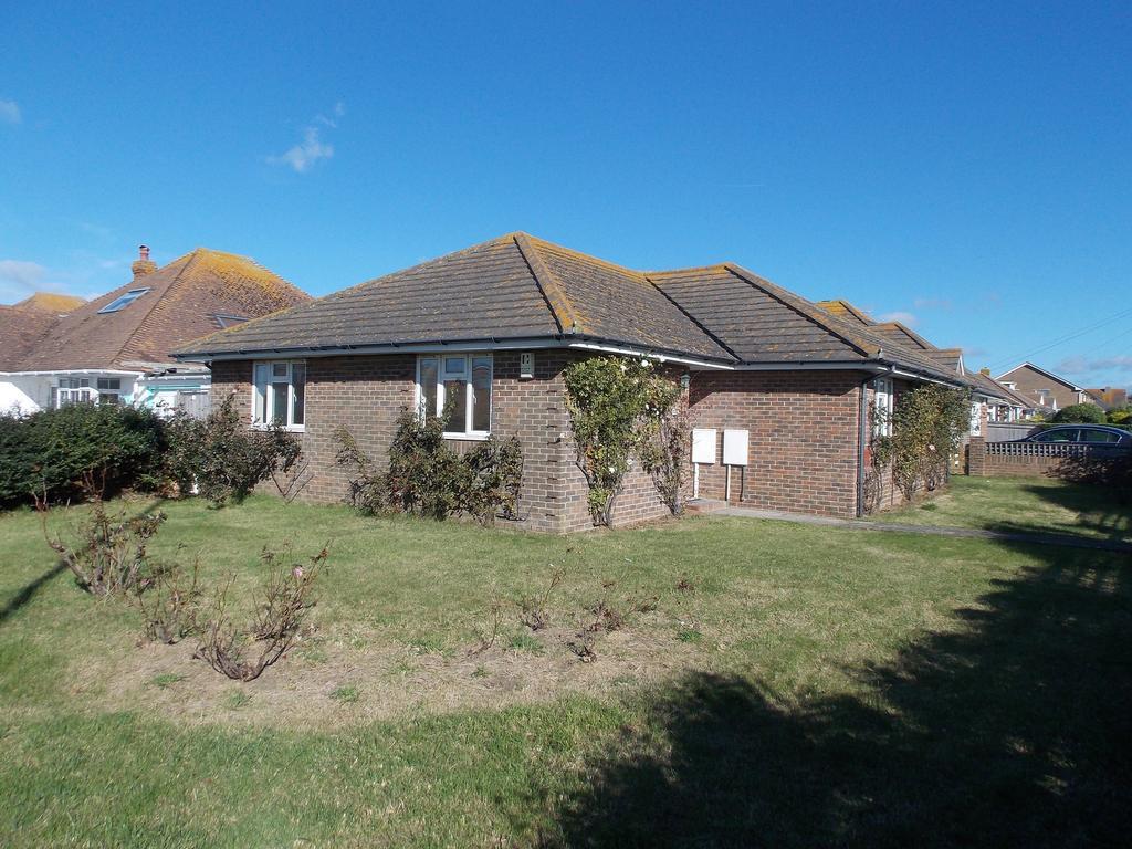 3 Bedrooms Detached Bungalow for sale in Piddinghoe Avenue, Peacehaven, East Sussex