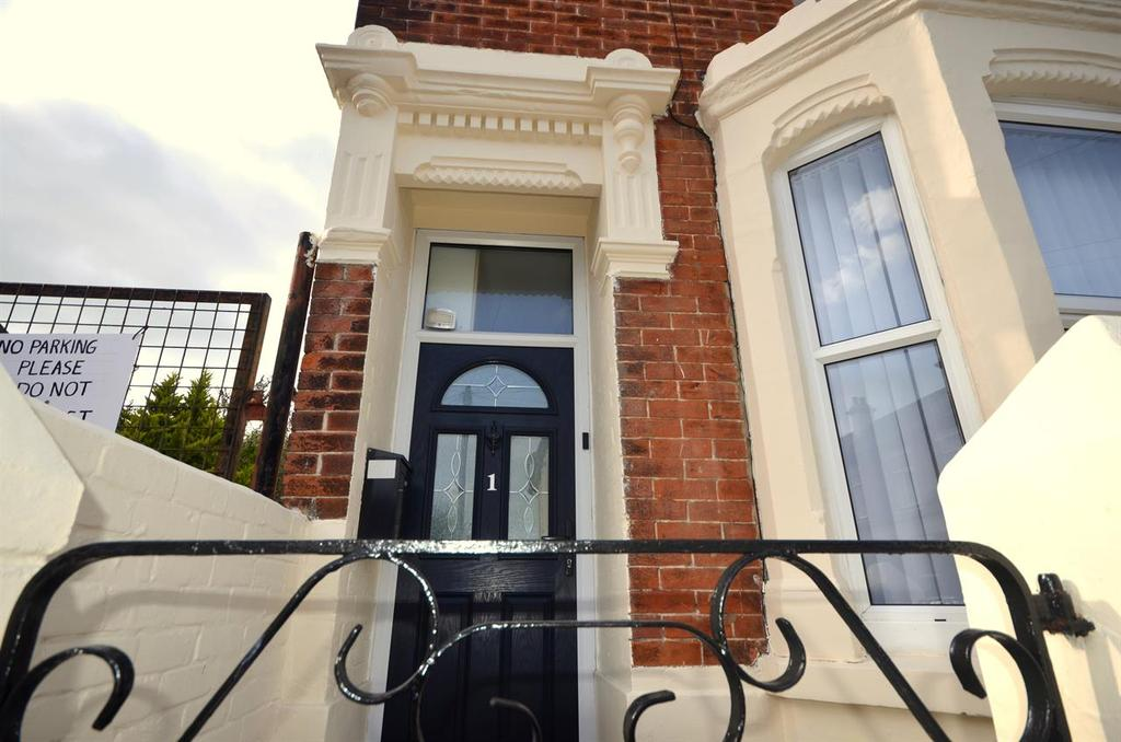 3 Bedrooms End Of Terrace House for sale in Dover Road, Baffins, Portsmouth