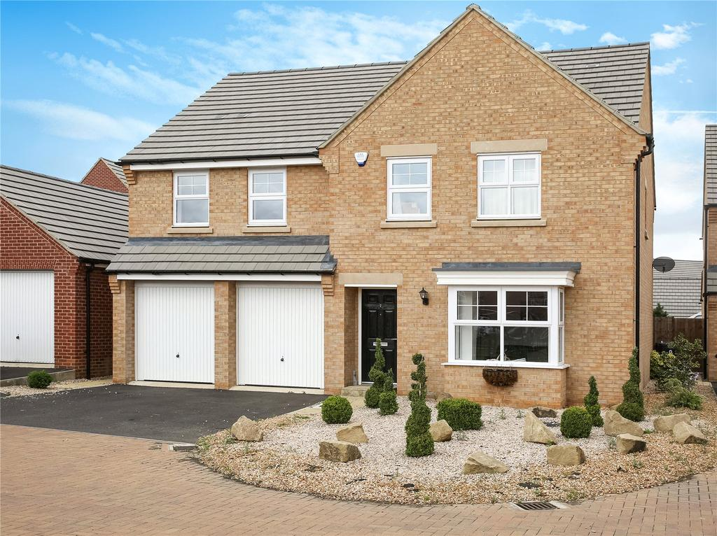 5 Bedrooms Detached House for sale in Spinney Close, Moulton, Northamptonshire, NN3