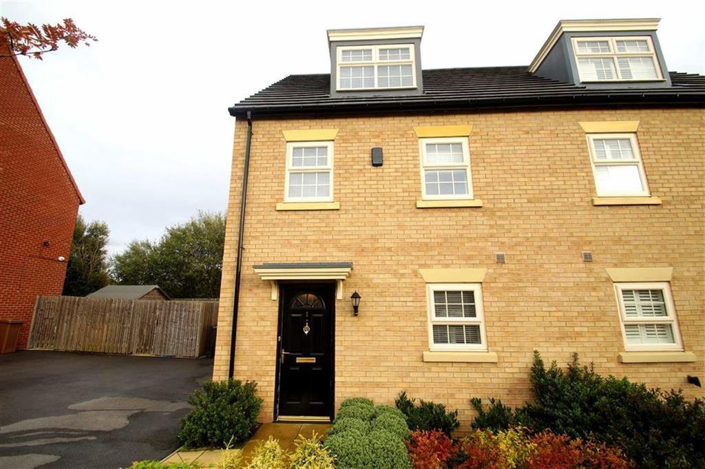 3 Bedrooms Semi Detached House for sale in Renison Avenue, Leeds