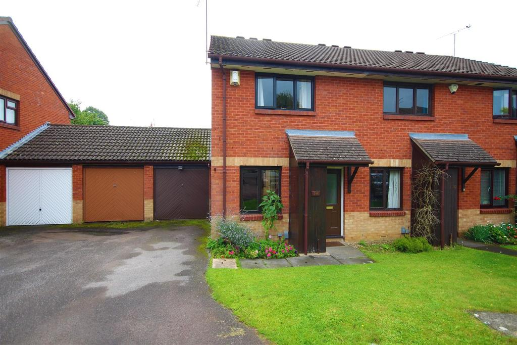 2 Bedrooms End Of Terrace House for sale in Bolwell Close, Reading