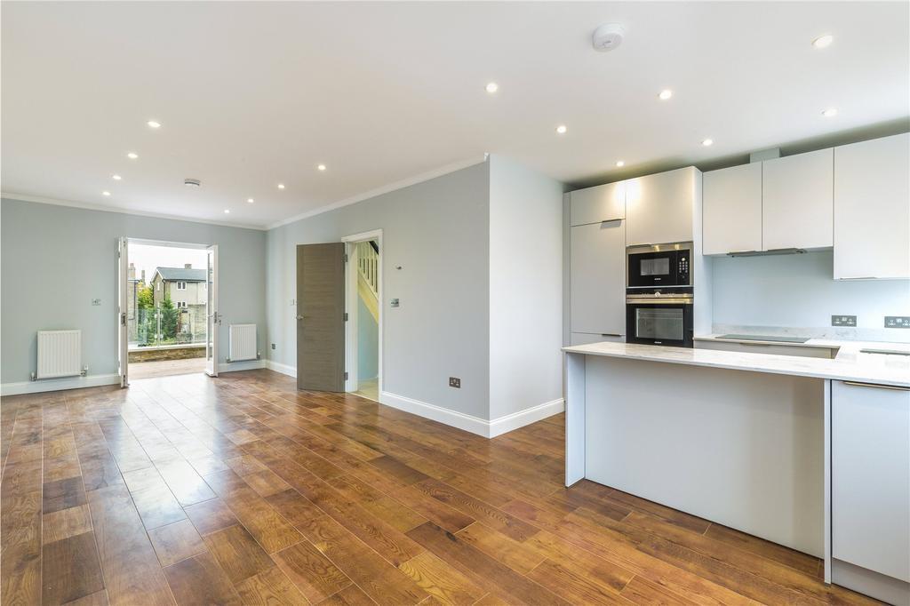 2 Bedrooms Flat for sale in Boscombe Road, Shepherd's Bush, W12
