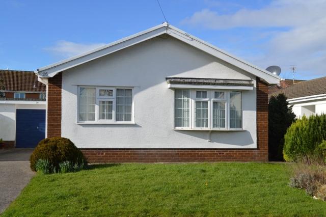 3 Bedrooms Detached Bungalow for rent in 26 Long Acre Murton Swansea