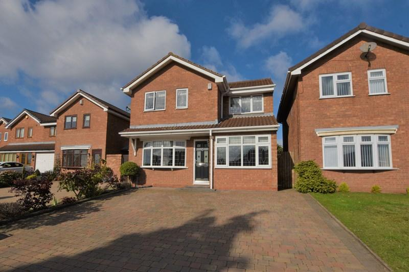 3 Bedrooms Detached House for sale in Midhill Drive, Rowley Regis
