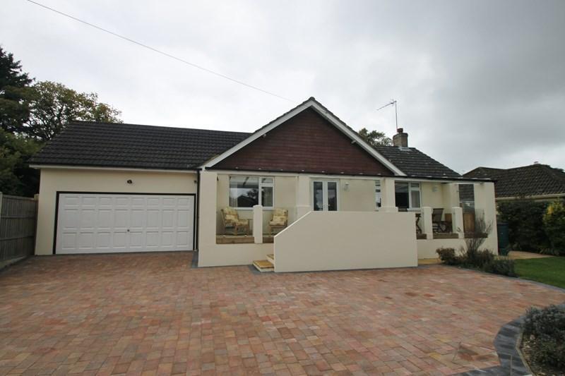 4 Bedrooms Detached Bungalow for sale in Copse Road, Verwood