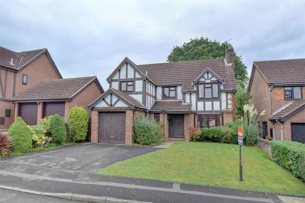 4 Bedrooms Detached House for sale in Loxwood Road, LOVEDEAN, Waterlooville, Hampshire