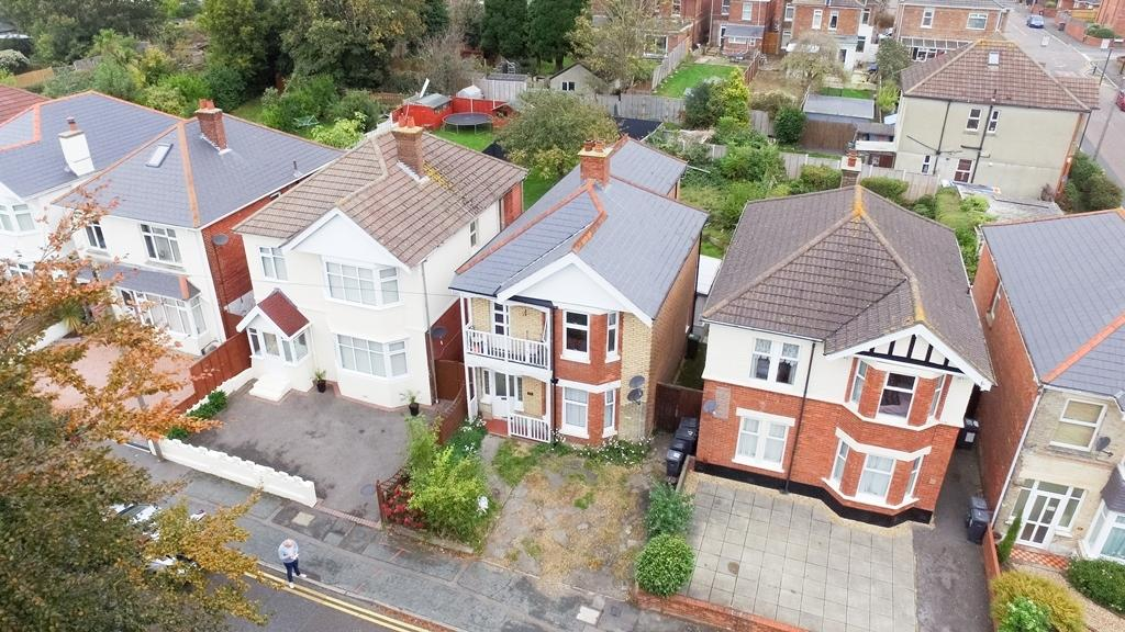 2 Bedrooms Flat for sale in 2 Bed First Floor Flat