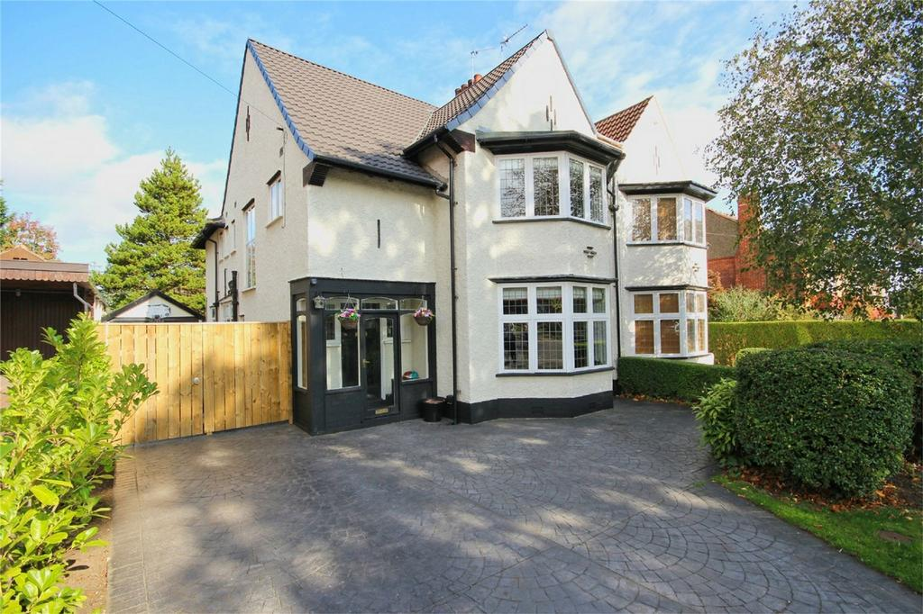 4 Bedrooms Semi Detached House for sale in Marlborough Avenue, Hessle, East Riding of Yorkshire