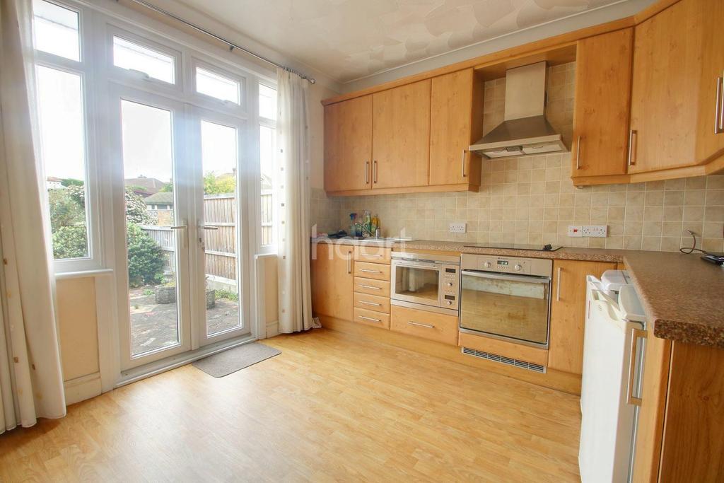2 Bedrooms Bungalow for sale in Kempton Avenue