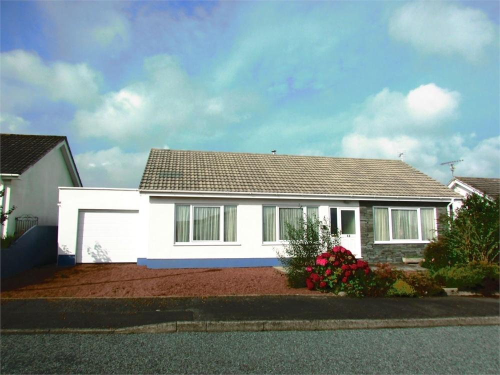 3 Bedrooms Detached Bungalow for sale in Parc Roberts, Narberth, Pembrokeshire