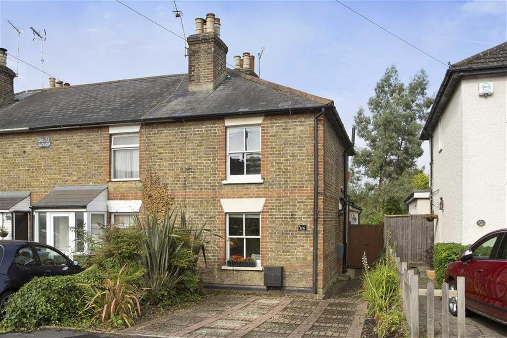 2 Bedrooms Semi Detached House for sale in Coverts Road, Claygate, Surrey, KT10