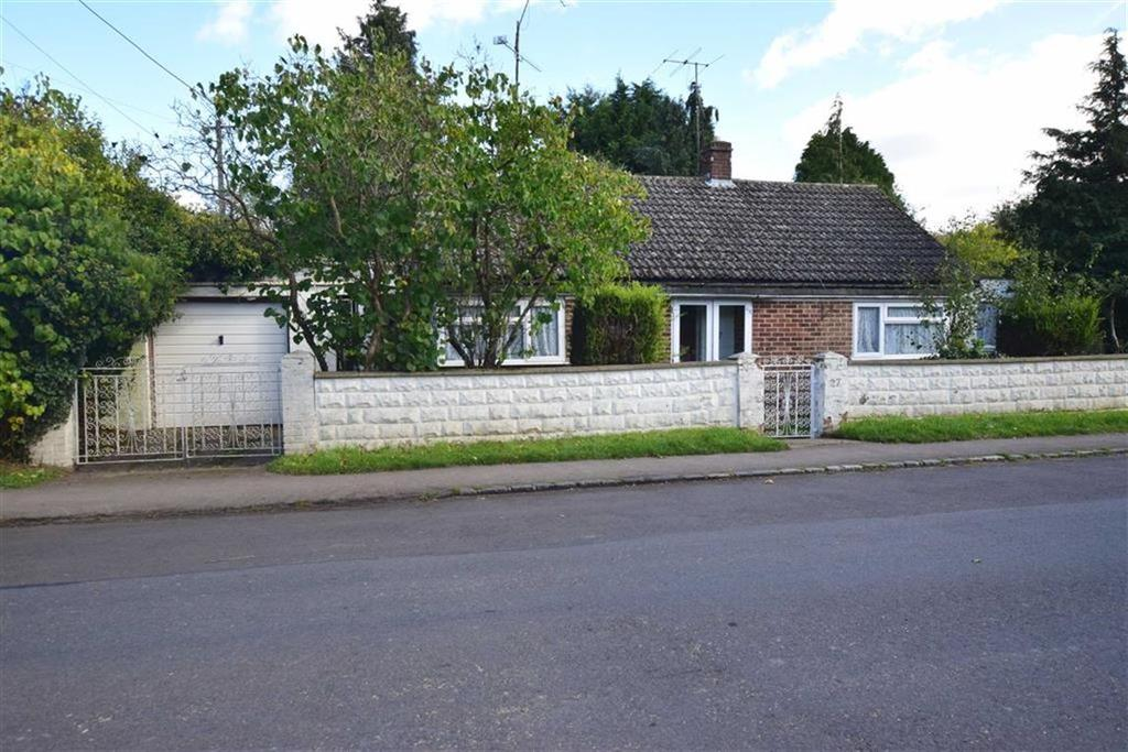2 Bedrooms Bungalow for sale in Whitehouse Road, Woodcote, Reading