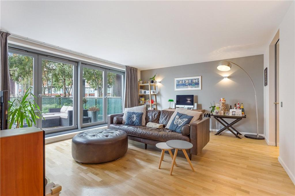 2 Bedrooms Flat for sale in New Providence Wharf, 1 Fairmont Avenue, Nr Canary Wharf, London, E14